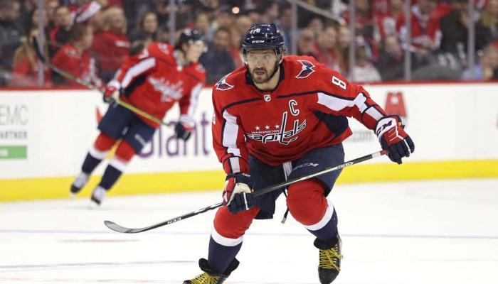 e86608fbe5277 Keď hokejový fenomén sleduje v akcii basketbalového + FOTO | NHL.sk